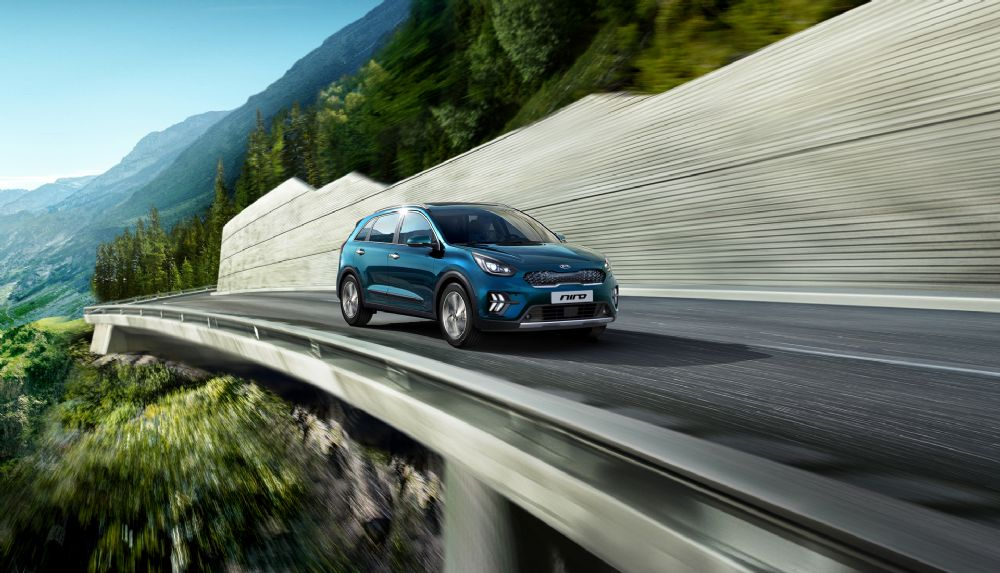 Double Win for Kia Niro at the Car Dealer Used Car of the Year Awards