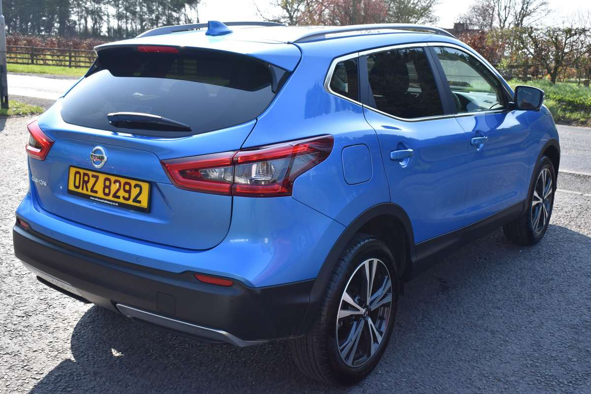 nissan qashqai n connecta glass roof for sale at wilsons. Black Bedroom Furniture Sets. Home Design Ideas