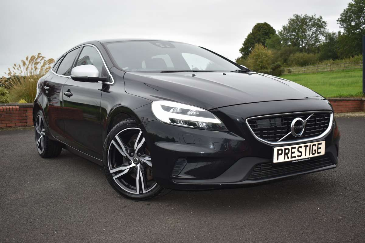 Volvo V40 R-Design (150PS) Pro D3 5DR Geartronic
