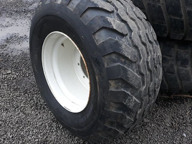 4 x Rims c/w Grass Tyres to suit New Holland or Case Tractor